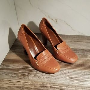 Banana Republic caramel colored high heels